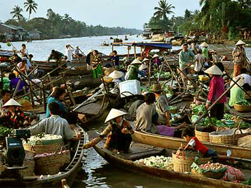 floating market, Vietnam