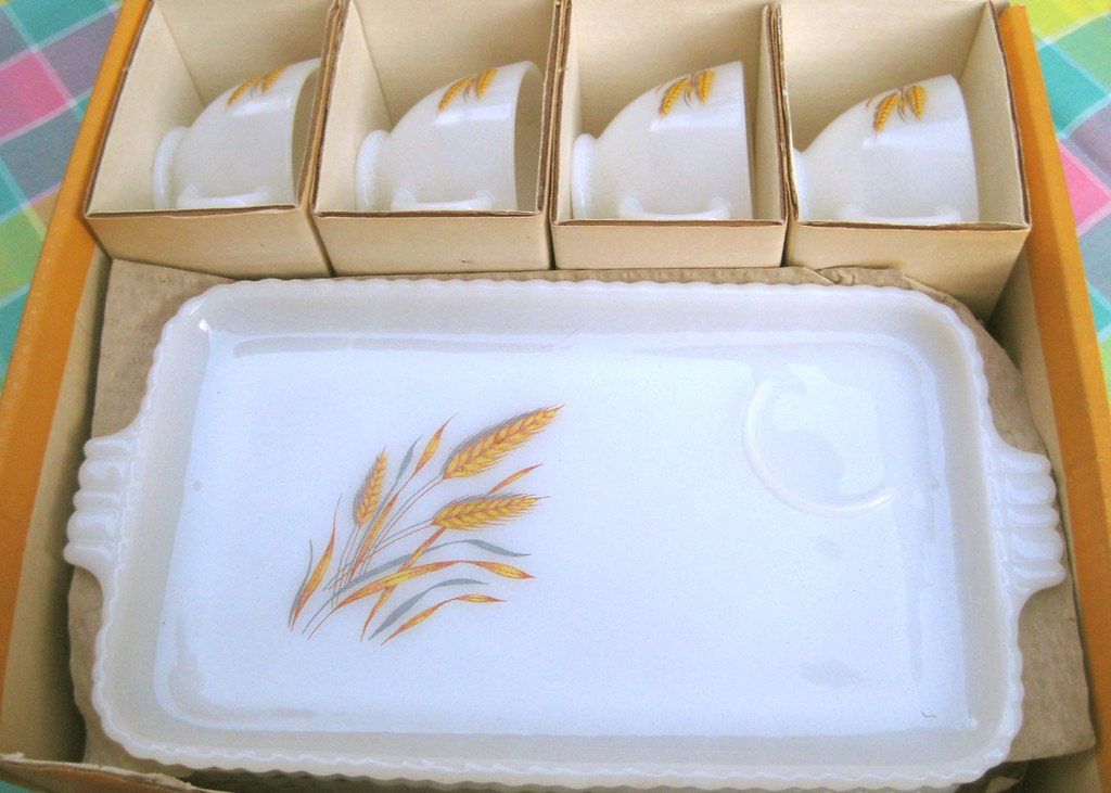 Anchor Hocking Wheat Snack Set 030