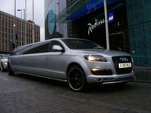 f 350 limo. Audi Q7 Limousine Hire.