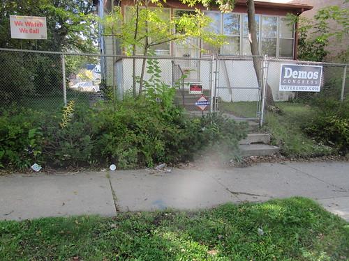 Litter outside Demos Supporter's House