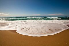 Praia de Moambique - Floripa (let's fotografar) Tags: ocean floripa sky praia beach mar florianpolis wave cu moambique onda