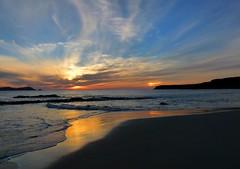 COMO DOS SOLES.............. (T.I.T.A.) Tags: sunset sky sol mar day cloudy galicia galiza cielo puestadesol ocaso sundog pontevedra tita sanxenxo parhelio carmensolla carmensollafotografa carmensollaimgenes