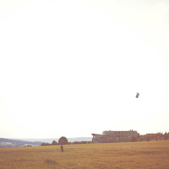 Fly me to the moon.. (toon_ee) Tags: kite field germany sony sigma 24mm f18 ulm a850 tpalonely