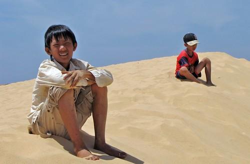 Mui Ne - White Sanddunes - Vietnam Boys