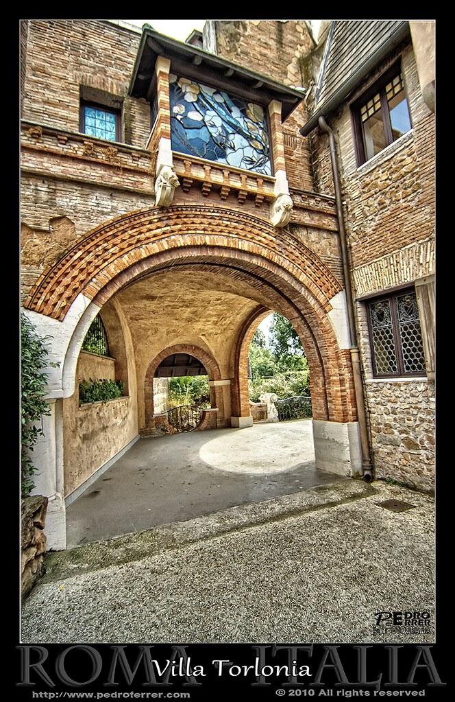 Roma - Villa Torlonia - Casa de las lechuzas 05