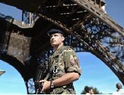 Mediapart : Menace terroriste et crise politique, le précédent George Bush thumbnail