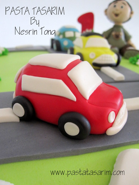 BATU 1ST BIRTHDAY CAKE-CARS
