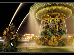 Fontaine Place de la Concorde, Paris (Fredorod) Tags: longexposure paris france water fountain colors beautiful night evening photo amazing eau exposition soir fontaine nuit expositionprolonge laconcorde poselongue fontainedesmers forumphoto fujjii fredorod