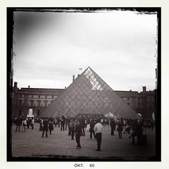 Louvre (flipperkoning) Tags: paris pyramid hipstamatic kaimalmarkiilens blackeysbwfilmlouvre