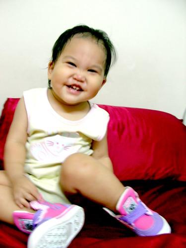 Molly果然愛這種粉嫩的鞋:D