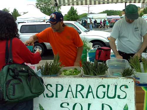 Champaign County Farmers' Market (by: Peter Brantley, creative commons license)