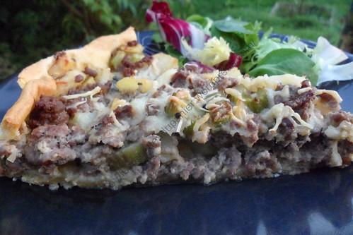 Tarte à la viande, pomme de terre et céleri branche / Minced meat, potato and celery pie