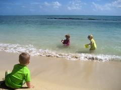 Kualoa Beach Park (Jake T) Tags: family vacation beach hawaii oahu 2010 kualoa kualoabeach lucytripp october2010 austintripp