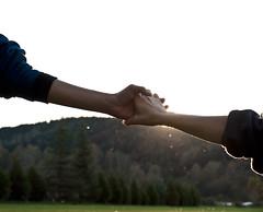 [フリー画像] 人物, ボディーパーツ, カップル・恋人・夫婦, 手, 201010211300