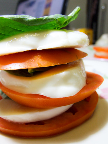 stack cheese and tomatoes