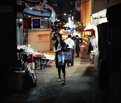 2100/1957 (june1777) Tags: street light girl night canon eos bokeh snap 1600 clear seoul m42 5d f2 russian 58mm helios 442 myeongdong