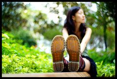 Corner (Lefty Jor) Tags: park hk girl grass hongkong day dof boots bokeh sony misu voigtlandernoktonclassic3514sc nex3