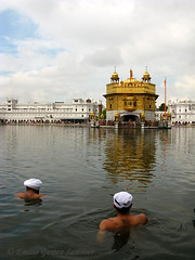 amritsar- harmandir sahib (Emilio Gmez) Tags: india punjab amritsar goldentemple harmandirsahib templodorado