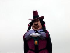 The Disney Villains' Halloween Showtime (Rick & Bart) Tags: paris ratcliffe villain pocahontas parijs disneylandresortparis disneylandpark marnelavallee governorratcliffe botg rickbart rickvink thedisneyvillainshalloweenshowtime