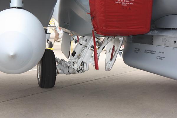 EAA10_EA-18G_39