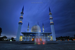 Just Keep Praying (sirman88) Tags: blue people urban cloud motion architecture landscape interesting nikon cityscape slow mosque le shutter dri scapes shah alam sirman