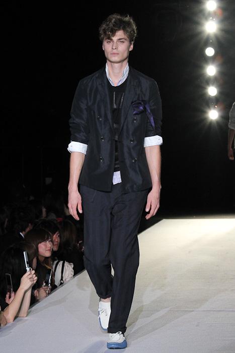 SS11_Tokyo_LANVIN en Bleu009_Bram Vercamer(Fashionsnap)