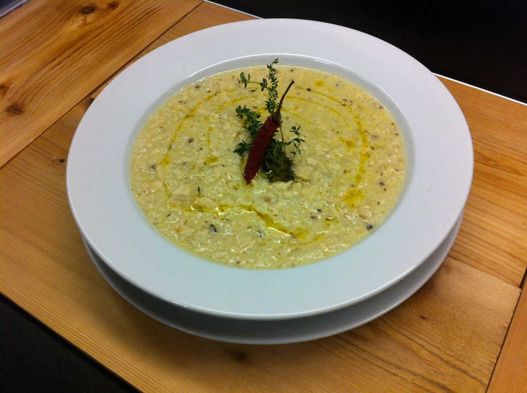 Avgolemono (Greek Lemon Egg Chicken Soup)