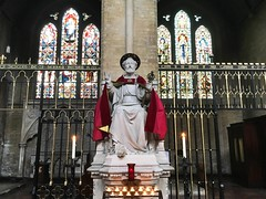 Prince of the Apostles (Lawrence OP) Tags: dominican london stdominics saint apostle prayer candles votives keys statue throne sculpture stpeter