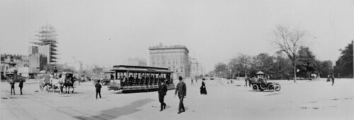 8th Ave trolley, New York City, 1904 (US National Archives)