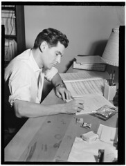 [Portrait of Leonard Bernstein in his apartmen...