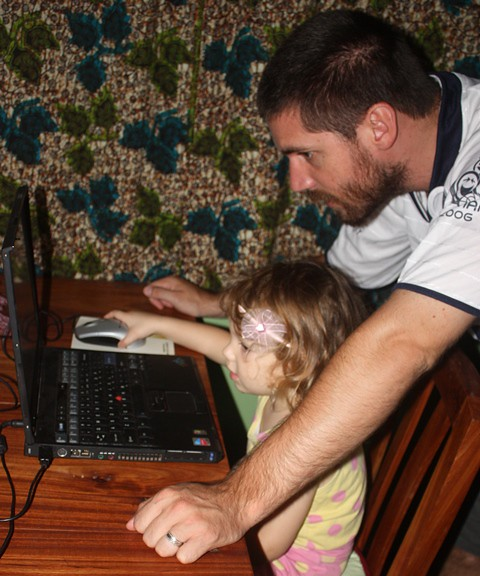 tomatoes,fairy skirt, teaching computer to anni 025.jpgedit