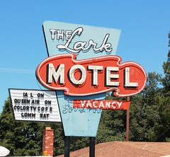 The Lark Motel (Vintage Roadtrip) Tags: california sign vintage neon motel highway101 willits highway20 hiway101 thelarkmotel willitsca hiway20