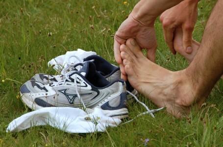 Chodidla a běžecké boty si nerozumějí, tvrdí studie