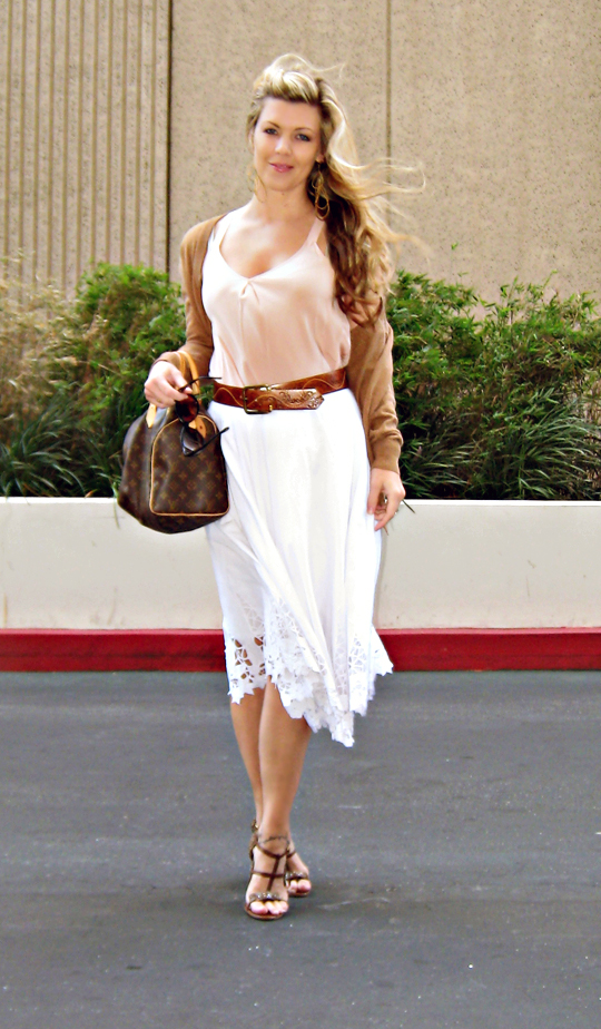 wind blown+white skirt+vintage belt+louis vuitton speedy+lamb shoes+sharpac