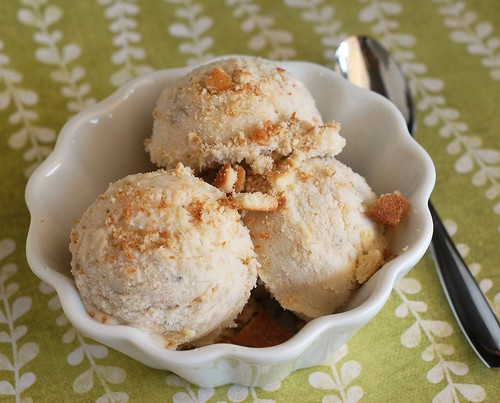 Banana Pudding Ice Cream - everything you love about banana pudding as an ice cream!
