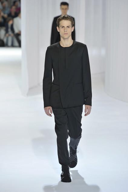 Jonathan Dalcin3010_SS11_Paris_Dior Homme(first VIEW)