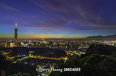 2_MG_4085-台北市-黃昏-夜景-台北101-101大樓-台北都會區-摩天大樓-都市-城市 Taipei City, Taipei 101 Building, Taiwan (Harry‧黃基峰‧台灣影像圖庫) Tags: city building night 101 taipei 台灣 台北 城市 夜景 臺灣 建築 台北市 台北101 鳥瞰 大樓 黃昏 圖庫 台北城 都市 101大樓 台北盆地 俯瞰 風景攝影 數位攝影 都會區 都會 5d2 台灣影像 黃基峰 harryhuang 台北都會區 電子郵件hgf78354ms35hinetnet 圖庫網 臺灣影像 兩千萬畫素