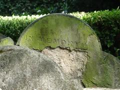(Scotticus_) Tags: cemetery inmemory headstone gravestone churchyard eroded hardystree oldstpancras