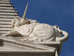 St Georges Bloomsbury 2 (St. Luke's Sculptors) Tags: lion stgeorges bloomsbury unicorn hawksmoor halicarnassus