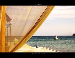 El verano echa el teln (MONCHO REY) Tags: trip viaje blue sea summer vacation water azul mar holidays mediterranean honeymoon pentax teln aegean septiembre greece grecia verano end fin 2009 mykonos mediterrneo setembro ending vern egeo setember vrao k20d monchorey monarq78 veron