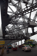 Le pont d'Howrah (hubertguyon) Tags: bridge india west pont bengal calcutta inde howrah gange bengaleoccidental earthasia