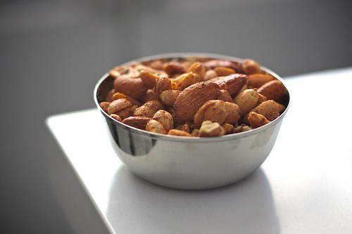 SPICY COCKTAIL NUTS!