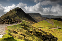 Catbells, Keswick, the Lake District, Cumbria, England, UK (jiannc) Tags: uk travel england sun mountain lake nature landscape europe hill lakedistrict cumbria keswick catbells nikond300s