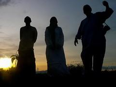 Kanak2 besar tak melompat (QooL / بنت شمس الدين) Tags: sunset people boys silhouette qool qoolens