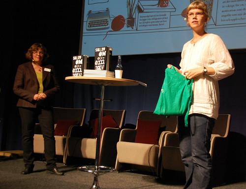 Katarina Kuick och Ylva Karlsson, författarna bakom boken Skriv om och om igen