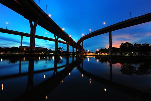 フリー写真素材, 建築・建造物, 橋, 夜景, タイ王国, バンコク,