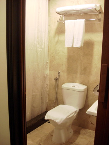 Leisure Inn KL - washroom
