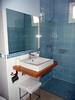 132-Baño azul