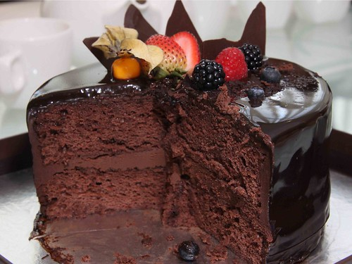 Truffs' chocolate cake (cross section)