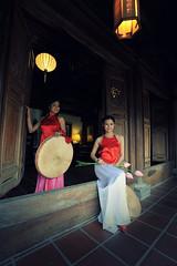 Ym o 8 (Benjamin T. Vu) Tags: vietnam traditionaldress nikoncamera nikonlens vietnamesebeauty vietnamesepeople vietnameselady oldvietnam historyofvietnam yemdao ymo ancientvietnam vietnamandhistory